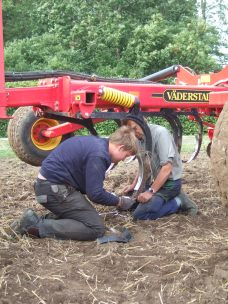 Service till fält är inget vi tvekar om när det skall gå undan