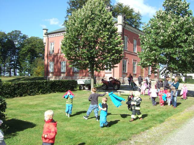 Eslövs Montessori 2012 leker i Slättangs park